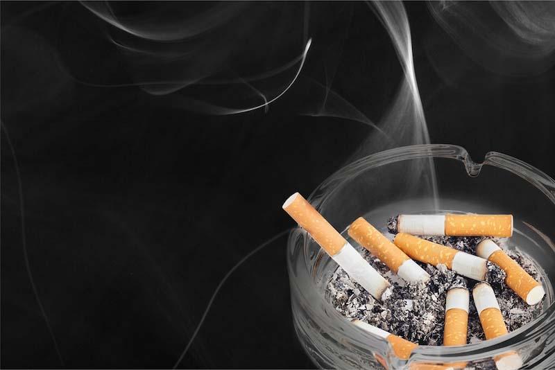 タバコや生活臭が加齢臭の原因
